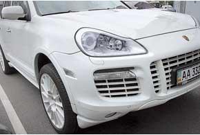 На версиях после 2007 года запотевает горизонтальная оптика передних габаритов и «поворотников».