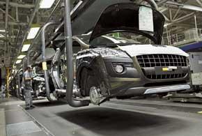 Каждый автомобиль состоит примерно из10000 деталей. Его собирают с нуля примерно за одни сутки.