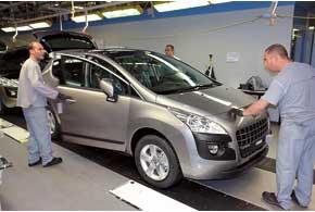 Первая линия завода выпускает Peugeot 308, (734автомобиля всутки). На второй собирают 898машин3008-й и 5008-й моделей всутки.