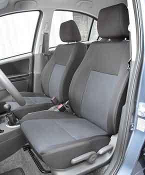 По высоте и для коленей задних пассажиров места в SX4 достаточно. А вот по ширине салон наиболее узкий.