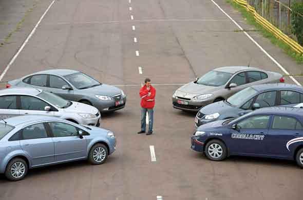 Fiat Linea, Ford Focus, Hyundai Elantra, Renault Fluence, Suzuki SX4, Toyota Corolla