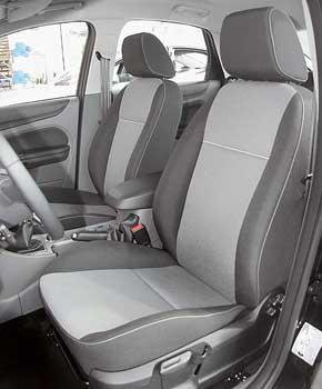 Кресла Focus довольно хорошо фиксируют пассажиров. Салон Ford самый широкий как на передних, так и задних сиденьях.