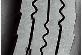 Жесткость блоков повышает объемное ламелирование– зацепление вдвух или в трех плоскостях.