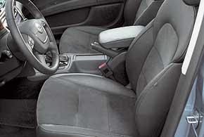 В тестируемой комплектации Elegance передние сиденья оснащены электрорегулировками, а водительское – еще и памятью.