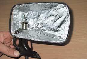«Дедовский» способ подогрева зеркал – лампочка итепловой экран в их корпусах.