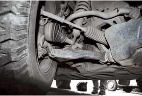 Слабые места подвески – втулки переднего и заднего стабилизаторов, которые  служат 40–50 тыс. км.