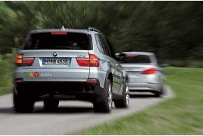 Если водитель вовремя поворачивает руль, система деактивируется.