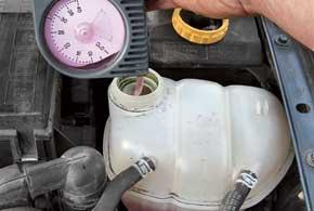 Температуру замерзания антифриза можно проверить специальными приборами и ареометром. При изготовлении антифриза из концентрата нужно использовать только дистиллированную воду.