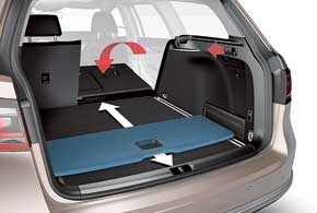 Багажник универсала оснащен полочкой-слайдером, с помощью которой можно легко придвигать к себе тяжелые вещи из дальней части багажника.