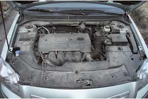 2,0-литровый двигатель отличается лучшими динамикой и тяговитостью, чем 1,8-литровый «собрат», но при этом расходует больше топлива: в городе с АКП – около 13 л против 11 л соответственно.