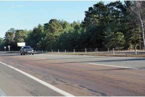 На житомирской трассе уже нет забытых дорожниками знаков ограничения скорости, поэтому режим езды по ней стал более спокойным, быстрым  и равномерным.