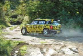 В сезоне 2011 года Mini/Prodrive выставит шесть машин. Две заводских, возможно, уже на первую гонку. Еще четыре напротяжении сезона получат частники.