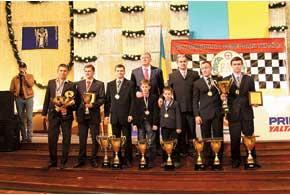 В Киевской городской администрации состоялся ежегодный «Бал чемпионов», на котором свои заслуженные награды получили чемпионы и призеры различных гоночных серий Украины, прошедших в 2010 году.