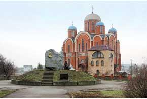 Борисоглебская церковь – не только храм, но и ориентир для автомобилистов.