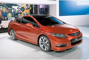 Honda Civic нового поколения дебютировала в двух кузовах – 2-и4-дверном.