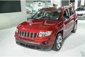 Новый Jeep Compass теперь внешне напоминает своего старшего «собрата» Grand Cherokee.