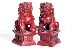 Небесные львы Будды (собаки Фу) охраняют от злых духов, приносят счастье и благополучие. Они являются мощнейшим символом защиты дома и автомобиля.