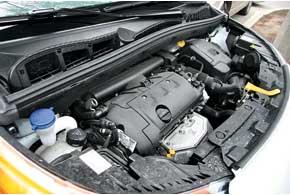 Для модели предлагаются только мотор 1,4 л и МКП. Эта парочка довольно проворна иэкономна. Реально вгороде уложиться в 7 л/100 км.