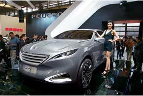 Концептуальный PeugeotSXC– первый шаг компании в сегмент люксовых внедорожников.