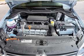 Volkswagen набирает больше баллов за практичность багажника, так как его объем можно увеличить. Единственный предложенный для Polo Sedan мотор объемом 1,6 литра развивает 105 л. с. С этим двигателем Volkswagen динамичнее, быстрее и экономичнее соперника.