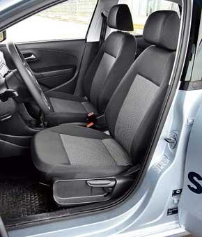 Стандартные кресла Volkswagen позволяют менять высоту в широком диапазоне. Так что в этой машине зарулем смогут легко и удобно расположиться водители разных комплекций.