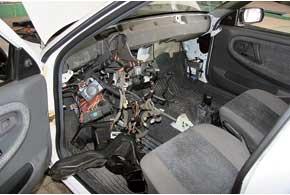 У многих автомобилей испаритель труднодоступен, поэтому его замена на СТО может стоить очень дорого.