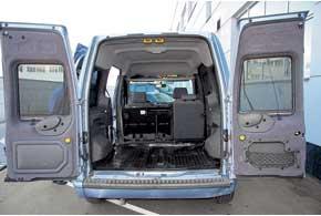 Главное достоинство авто – вместительный багажник ивысокая грузоподъемность (одни из наибольших в своем классе). Удобство размещения грузов повышают небольшие задние колесные ниши.