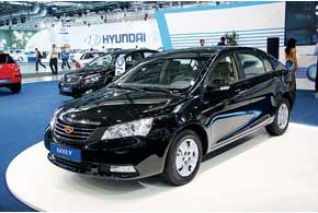 Люксовый седан Geely Emgrand EC7 появится в продаже в июле. Он оснащен 1,8-литровым 139-сильным мотором и 5-ст. МКП.