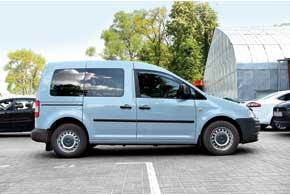 VW Caddy представлен двумя модификациями– со стандартной иудлиненной на320мм колесной базой (версия Maxi).
