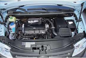 Большинство Caddy у нас оснащено турбодизельными двигателями (нафото). Но при желании реально подыскать и бензиновую версию.