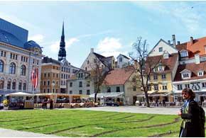 Находясь в сердце Риги – старом городе, трудно поверить, чтонаулице XXIвек. Здесь очень популярны сувениры иукрашения из янтаря.