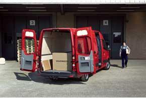 У Crafter 48 вариантов кузовов. Всумме с уровнями оснащения это дает до 400 версий.