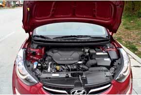 На наш рынок будет поставляться два мотора: оба бензиновые, объемом 1,6 л (130 л. с., 160 Нм ) и 1,8 л (150 л. с., 182 Нм).