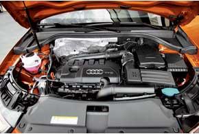 Только для базовой версии с мотором 170 л. с. доступна механическая КП. Остальные получили «робот» S-Tronic сдвумя сцеплениями.