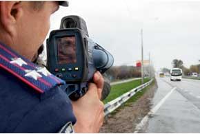 Украинская Госавтоинспекция опять вернулась к использованию лазерных измерителей скорости TruCAM – их стали применять с конца прошлого месяца.
