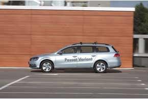 «Механика» Passat Variant позволяет переключаться максимально плавно – настолько точен ход рычага и мягко включаются передачи. Volkswagen можно заказать с «роботом» DSG, заплатив при покупке авто на 2898 долларов больше.