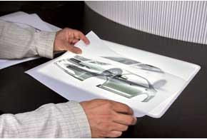 Новую Toyota Camry привезти на шоу  не удалось, зато посетители могли  самостоятельно подобрать  ей цветовую гамму.