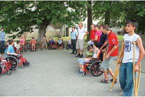 В Цюрупинском специнтернате нас вышли встречать все, кто мог это сделать физически.