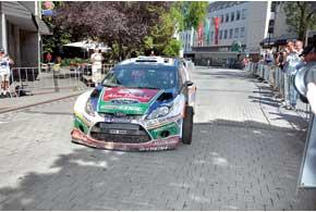 Первую асфальтовую гонку Ford закончил, как говорится, на щите. Лучшим на Ford стал Микко Хирвонен, финишировавший только четвертым. На финальном СУ Микко в очередной раз проколол колесо.