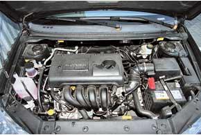 У мотора 1,8 л заявлена неплохая мощность – 127 л. с. Он шумноват наоборотах выше средних, зато при размеренной езде его почти не слышно.