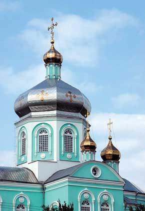 Храм Рождества Христового – один из немногих уцелевших памятников города.