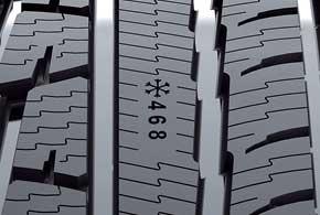 Полированные канавки улучшают удаление снежной каши игрязи из пятна контакта, снижая вероятность слэшпленинга. Кроме того, при езде по глубокому снегу и грязи протектор менее склонен превращаться в «слик», поэтому тяговое усилие выше.