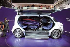 Citroёn Tubik – 9-местный минивен с гибридной силовой установкой Hybrid4 и приводом на все колеса.