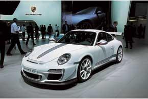 Наряду с новым поколением Porsche 911 Carrera на автошоу дебютировала «заряженная» версия GT3 RS 4.0 c 500-сильным мотором.