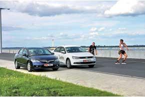 Сторонники Honda Civic – за соотношение прагматичного и драйверского. Поклонников VW не страшит разница в цене по сравнению с конкурентами.