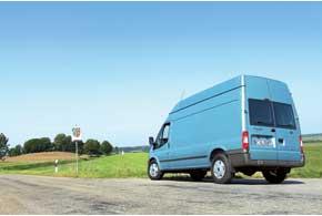 Ford Transit предлагается с тремя типами приводов: передним, полным и задним. Удлиненные длиннобазные грузовые модификации бывают только заднеприводными.