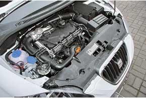 На низких оборотах мотор работает не столь мягко, как у некоторых конкурентов икактого хотелось бы вгородских тянучках. Зато он неприхотлив и экономичен.