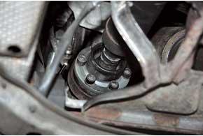 К100тыс.км может прийти внегодность передний ШРУС карданного вала.