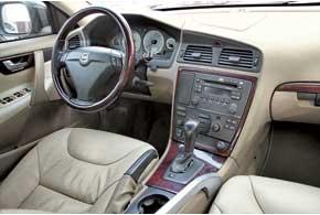 Все автомобили богато «нафаршированы».