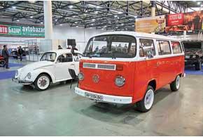 Две легенды от Volkswagen – легендарный Beetle и не менее культовый Transporter T2.